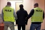 Unikali więzienia włamując się i kradnąc