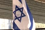 Pod Estakadą zawisła flaga Izraela