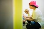 Pracownicy Taurona pomalowali szpitalne sale